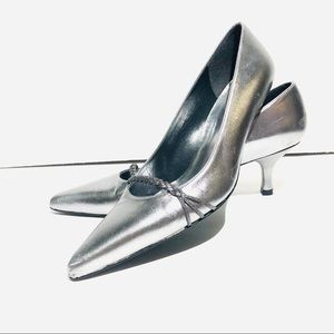 Stuart Weitzman Silver Metallic pointy toe Pumps